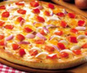 Veg Pizza - Classic Pizza - Cafe Choco Craze
